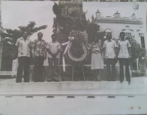 Algunos de los Primeros graduados, junio de 1980. De izquierda a derecha: René Hernández, Enrique Marta, Jorge Suárez, Reina María Chon, Octavio De La Osa y Ricardo Femenías.